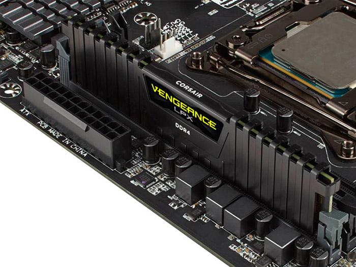 PCSHOP Informática Memória DDR4 Corsair Gamer 4GB 2400MHz RAM CL14 DIMM Vengeance Black